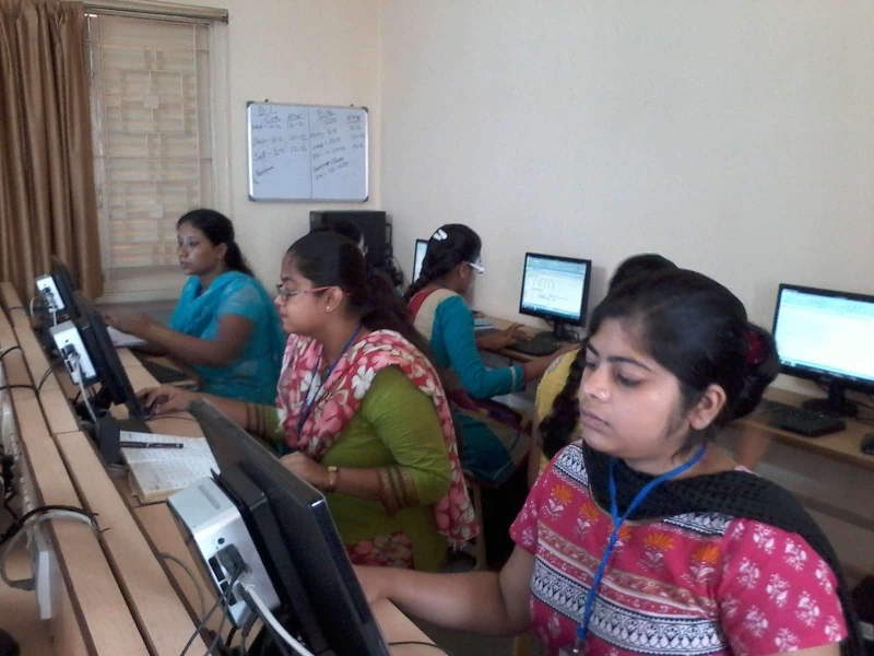 Computer Class at Dumdum Centre Photo 1